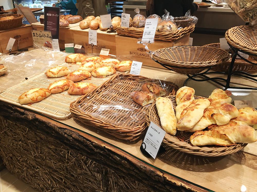 満寿屋商店(ますやパン)東京本店 パンの品揃え