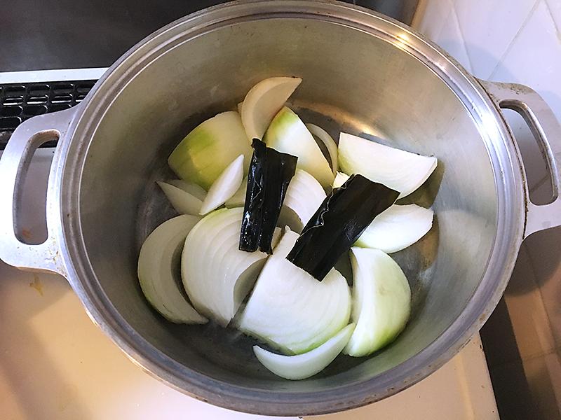 無水鍋 肉じゃが 作り方 昆布を入れる