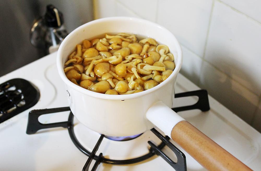 野田洋光 だしポットでとっただしで味噌汁を作る
