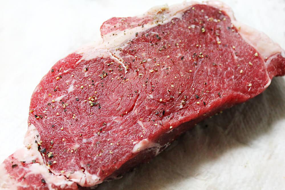 ロッジ スキレット ローストビーフの作り方 肉の下ごしらえ